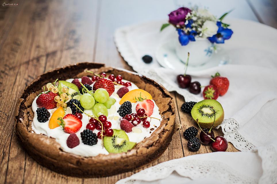 Schokopizza mit Früchten