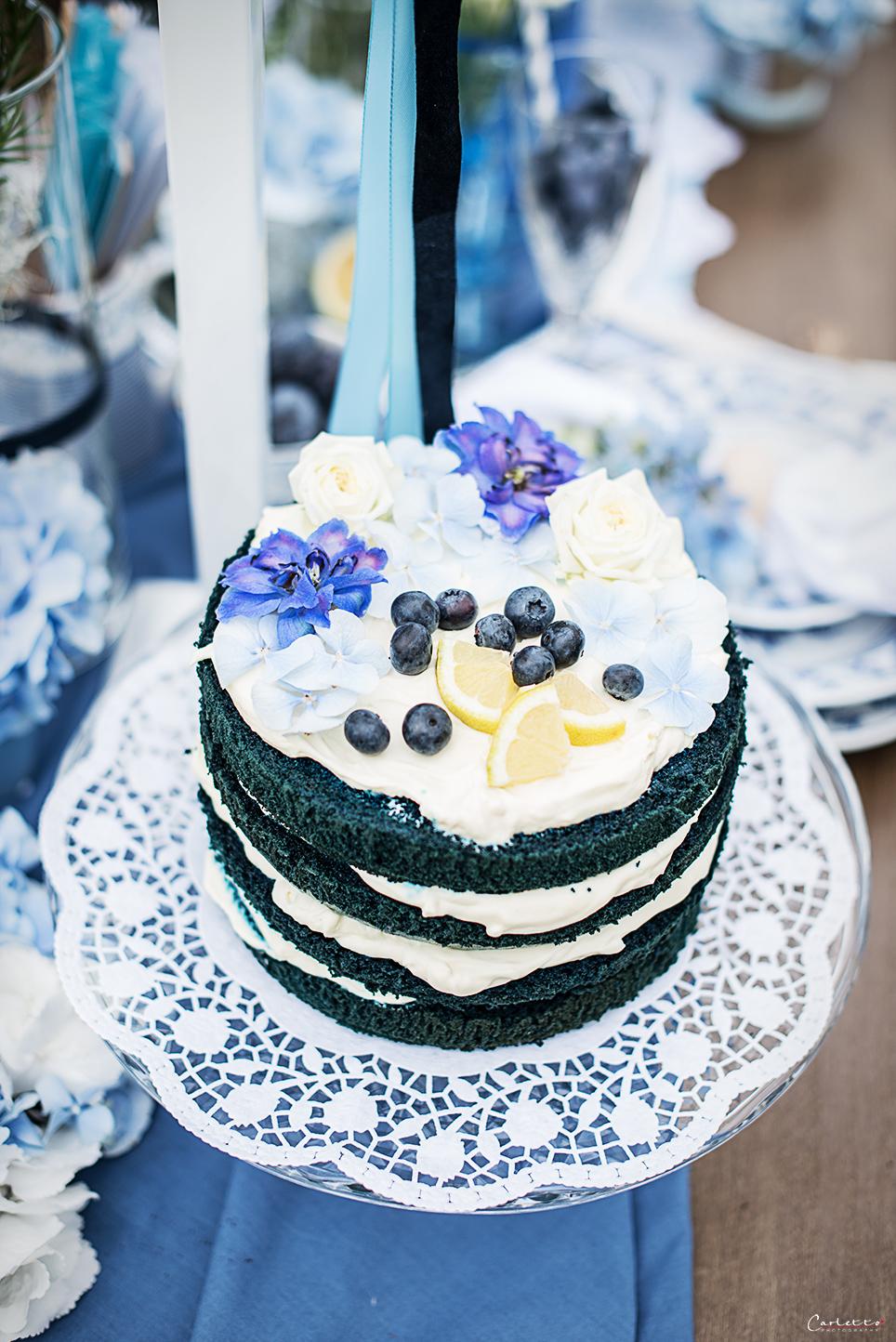 blauer naked cake rezept f r blaue torte. Black Bedroom Furniture Sets. Home Design Ideas