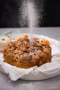 Kuchen aus Croissants mit Kürbis, Zimt und Staubzucker, Kürbis Croissant Kuchen