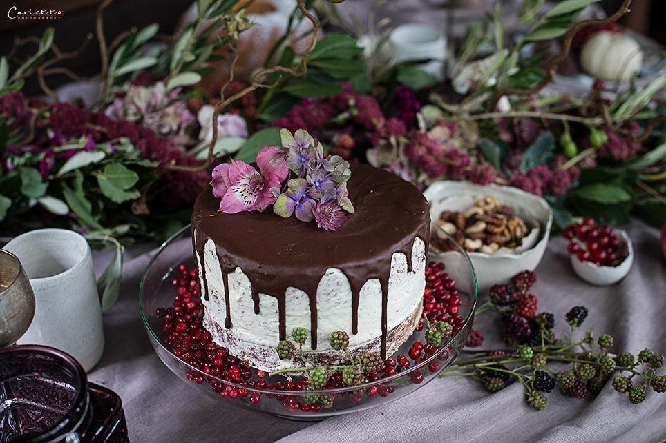 Semi Naked Cake mit Schokoguss, Schokoladen Drip Cake