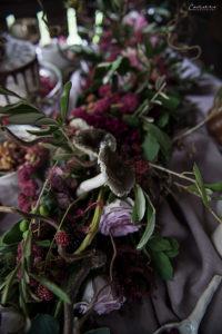 Blumengirlande in violett, Pilz, Herbstdekoration