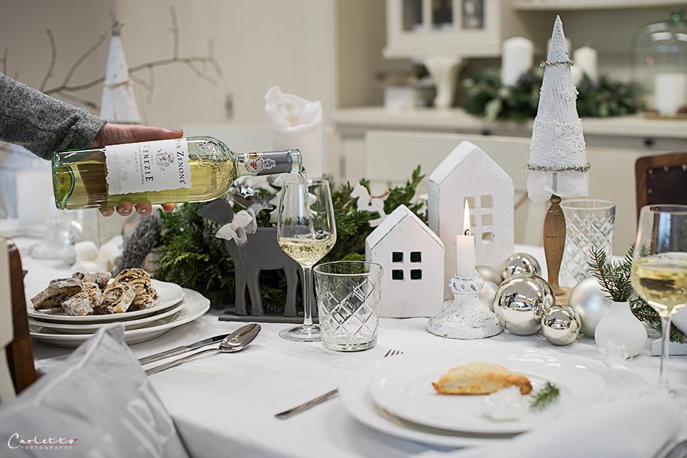 festlich gedeckter weihnachtstisch 2330 cookingcatrin. Black Bedroom Furniture Sets. Home Design Ideas