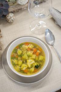 Frühlings Gemüsesuppe