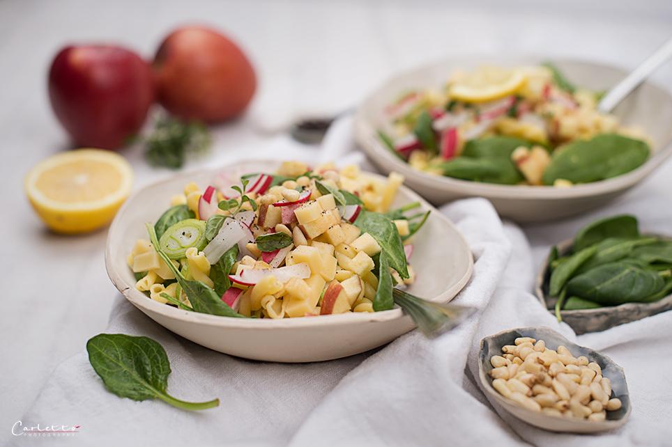 Nudel Käse Salat mit Radieschen