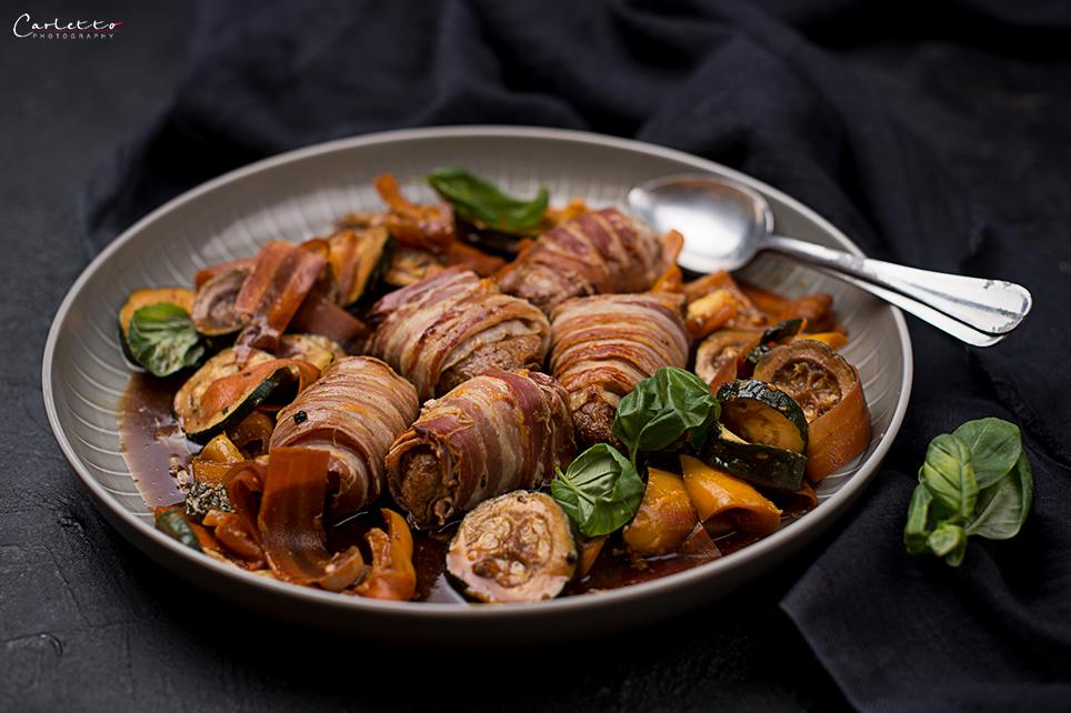 Teriyaki One Pan Schweinefilets mit Gemüse & Speck