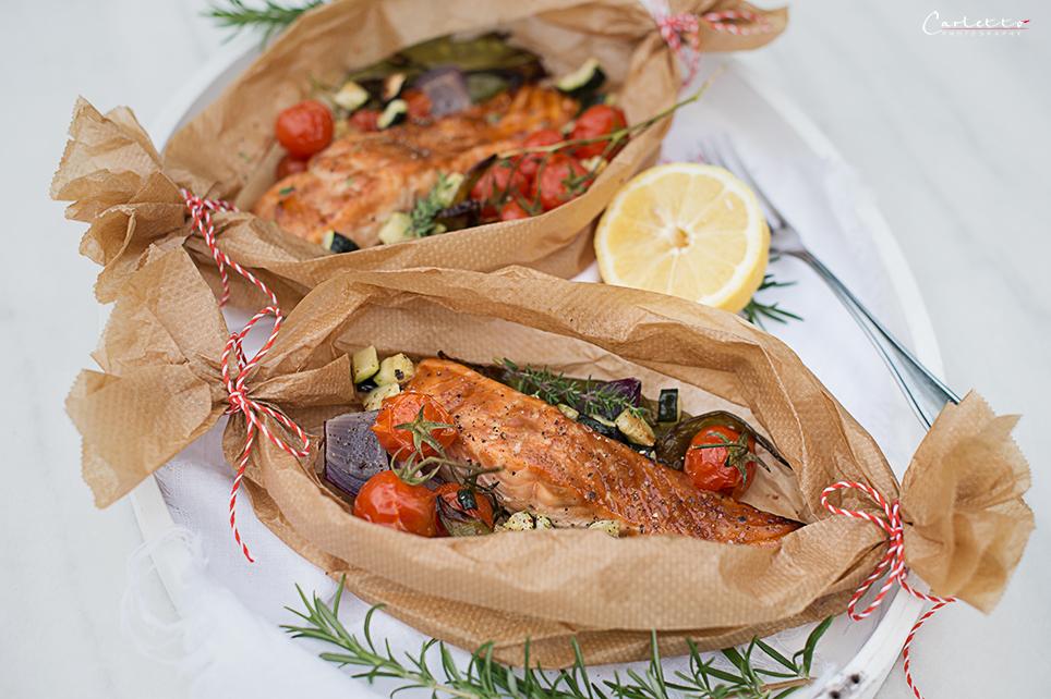 Teriyaki Lachs Gemüse Packerln mit Zitronen-Honig-Butter