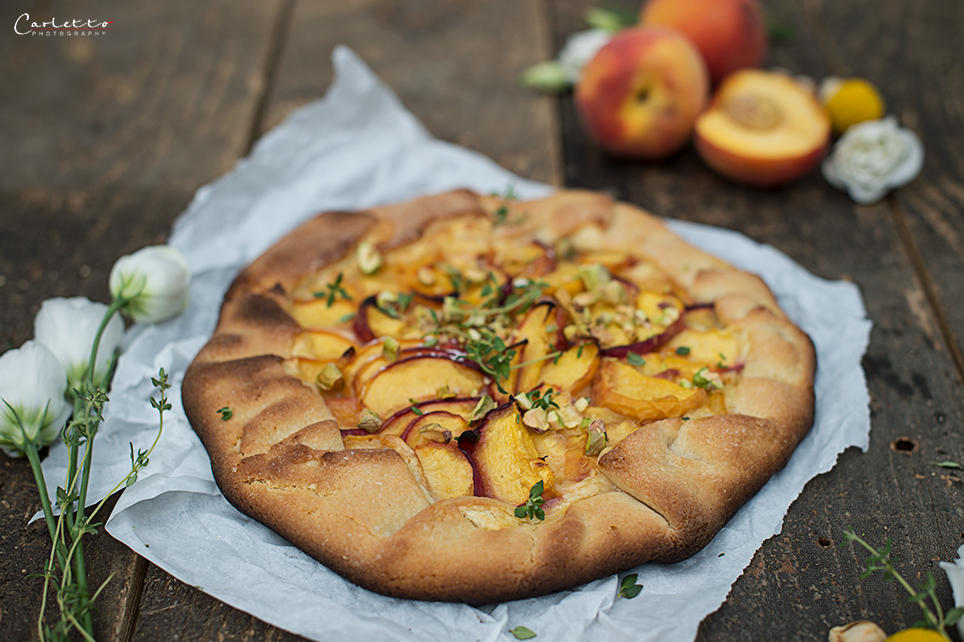 Süße Pfirsich Vanille Tarte vom Grill