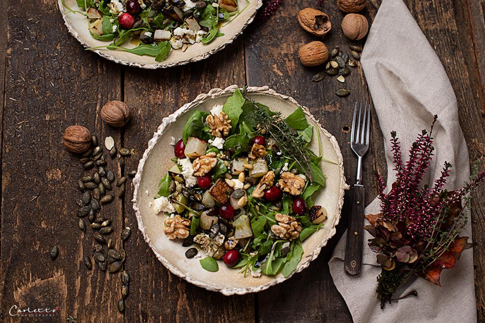 winter salad with pumpkin seed oiil