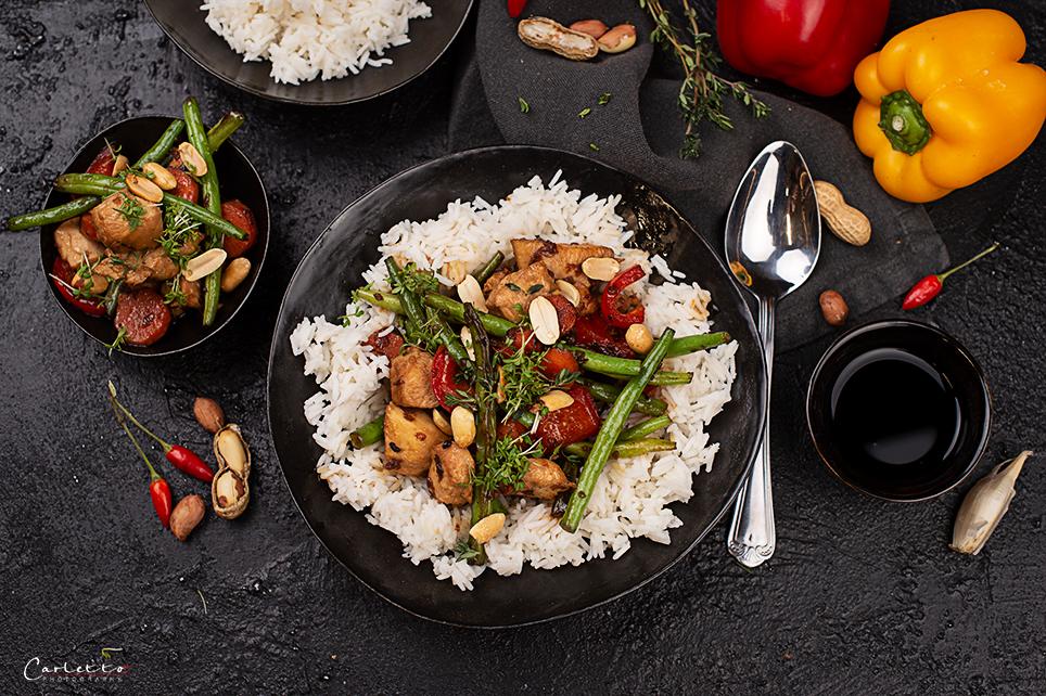 Chop Suey mit Huhn und Reis