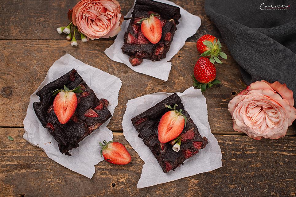 Schoko Erdbeer Brownies