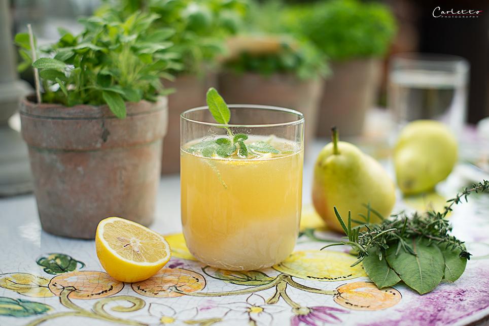 Birnen Cocktail mit Salbei