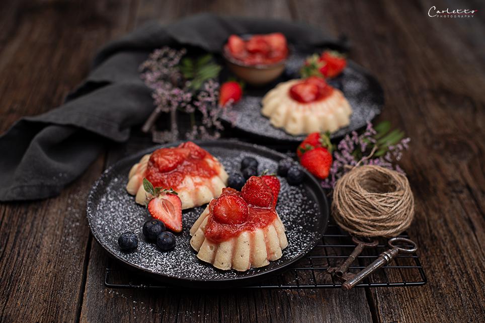 Grießpudding mit Rhabarber Erdbeer Kompott