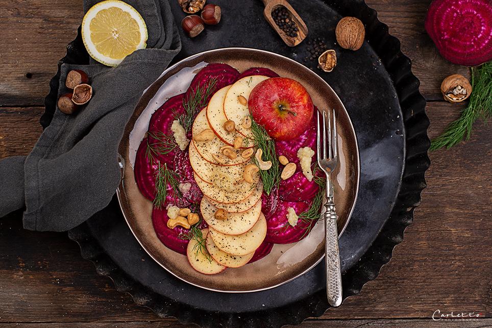 Rote Rüben Apfel Salat mit Krendressing