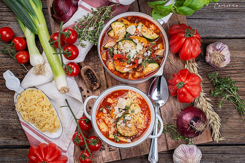 Gemüse Minestrone mit Nudeln in Reisform